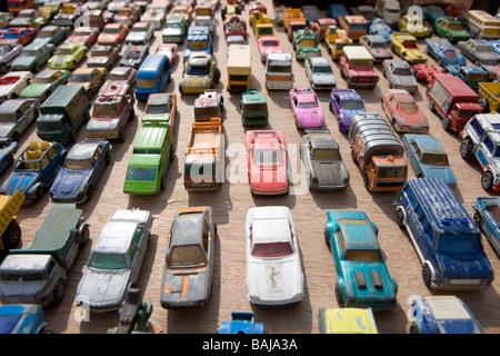 Jouets voitures dans un embouteillage Banque D'Images