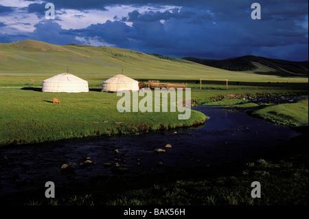 La Mongolie, province Arkhangai, Snake Valley Camp nomade, yourtes et Banque D'Images
