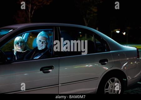 Couple en voiture Banque D'Images