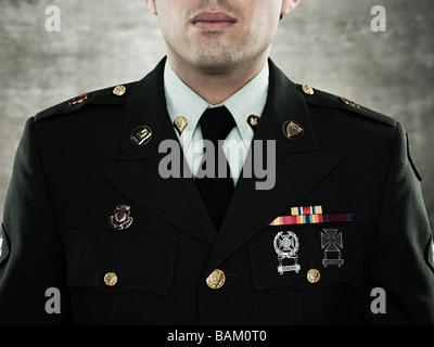 Portrait d'un soldat en uniforme