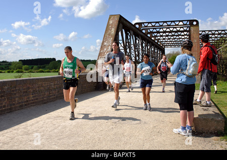 En 2009, les coureurs de marathon et demi-marathon Shakespeare UK Banque D'Images