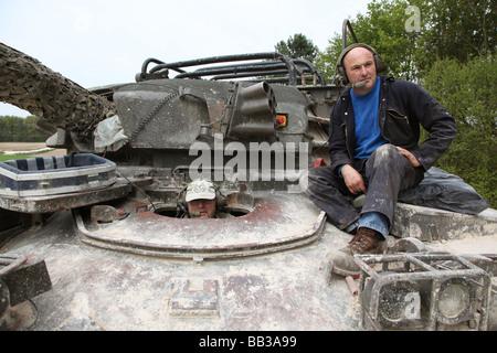 L'expérience de conduite du réservoir, Juniper loisirs, les membres du public d'expérience de la conduite des véhicules Banque D'Images