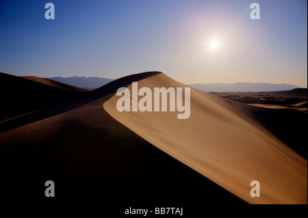 Le mesquite Sand Dunes in Death Valley National Park en Californie USA Banque D'Images