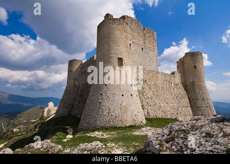 Château de Rocca Calascio dans les Abruzzes - Italie Banque D'Images