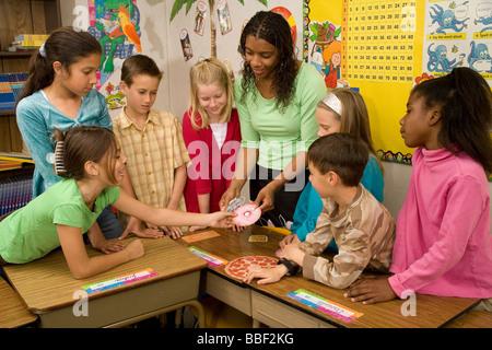La diversité raciale multiculturelle diversifiée sur le plan racial interracial multi culturel enseignement Enseignant Banque D'Images
