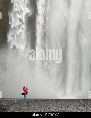 Cascade de Skogafoss, Islande Banque D'Images