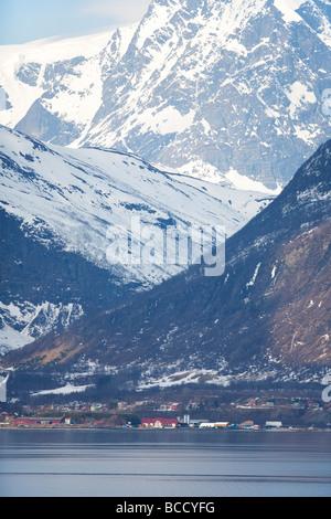 Furuflate village au bord du Storfjord Norvège près de Skibotn Banque D'Images