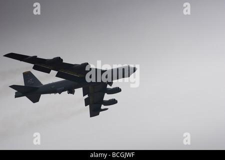Le Boeing B-52 Stratofortress est une longue distance, à réaction subsonique, bombardier stratégique, exploité par la United States Air Force