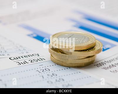 Pièces en Euro et du papier Banque D'Images