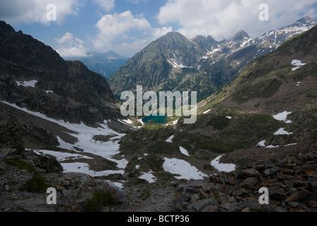 Un lac de montagne dans le Parc National du Mercantour, France Banque D'Images
