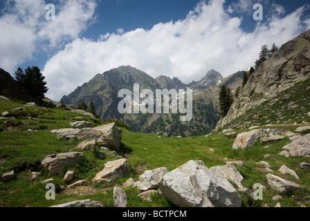 Le Parc National du Mercantour, Alpes du Sud, France. À la recherche du Lac de Trecolpas. Banque D'Images