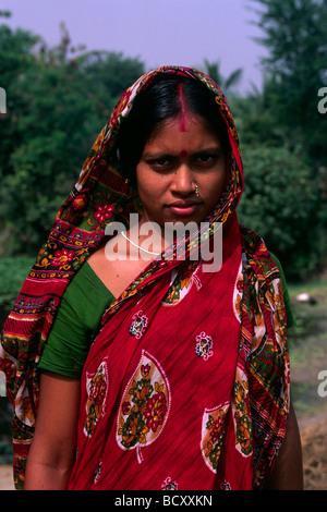 L'Inde, le Bengale occidental, sunderbans, jeune femme avec sari Banque D'Images