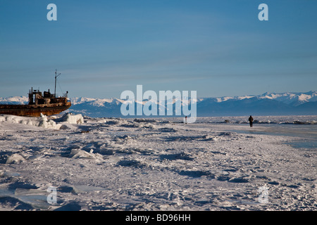 Épave, Listvyanka, Lac Baikal, Sibérie, Russie