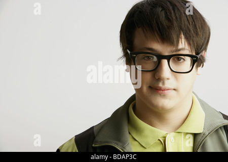 Portrait of a young man wearing eyeglasses Banque D'Images