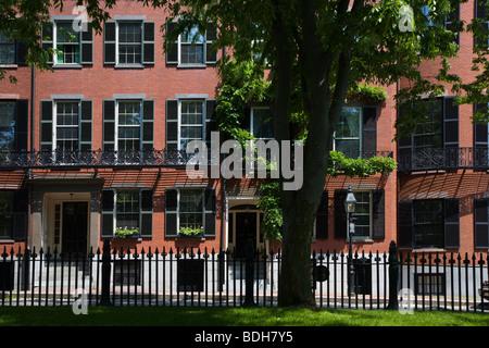 Maisons de brique classique des riches grace Louisburg Square sur BEACON HILL - BOSTON (MASSACHUSETTS)