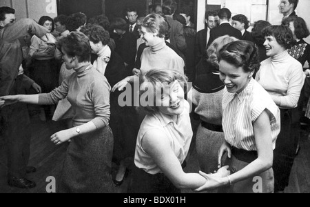Le sud de Londres en 1957 CLUB ADOLESCENTS Banque D'Images