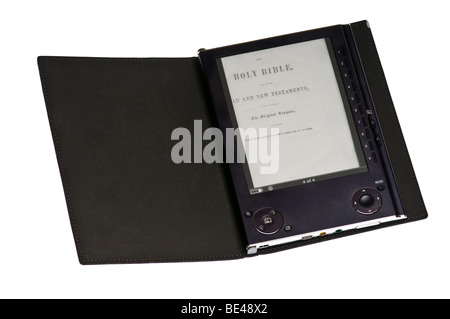 Book Reader Portable (ebook) isolated on white Banque D'Images