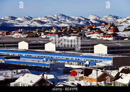 Voir d'immeubles à appartements de Nuuk, Groenland Banque D'Images