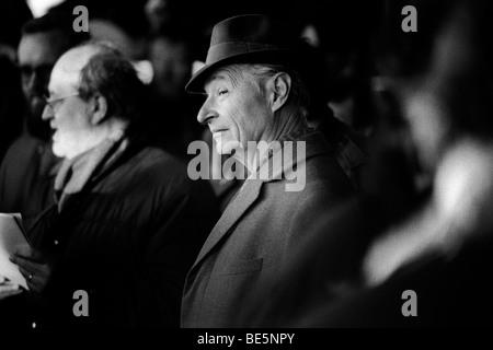 Alexander Dubcek, lors d'un rassemblement au cours de manifestations de Prague qui ont conduit à l'effondrement Banque D'Images