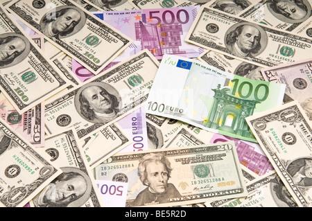 Les billets américains et européens (papier-monnaie) Contexte Banque D'Images
