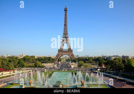La Tour Eiffel et des Jardins du Trocadéro Paris, France Banque D'Images