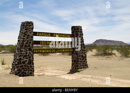 Entrée du parc régional d'Ischigualasto, Valle de la luna - Vallée de la lune, la Province de San Juan, Argentine Banque D'Images