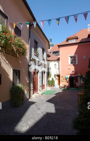 Spur Lane et l'entrée de l'Hôtel Suisse - Hongrie Gyor Gyor ( ) Banque D'Images