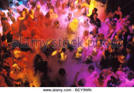 """Mousse Party à la discothèque """" Palace """". Siofok, HONGRIE, Lac Balaton Banque D'Images"""