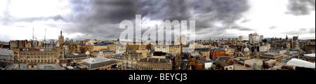 Vue panoramique sur le centre-ville de Glasgow, à North tourné depuis le toit de l'immeuble de la tour Phare sur Banque D'Images