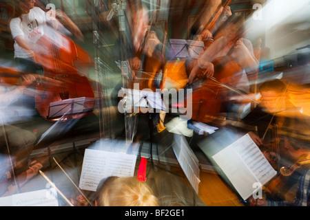 La Norvège Selbu Trondheimsolistene église violoniste musicien orchestre de chambre à cordes violon nyck avec clé Banque D'Images