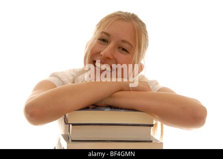 Dix-huit ans, avec des livres, rire, apprendre et s'amuser Banque D'Images