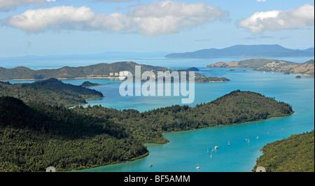 Vue aérienne de Whitsunday Island, en face de Hamilton Island resort, Whitsundays, Whitsunday Islands National Park, Banque D'Images