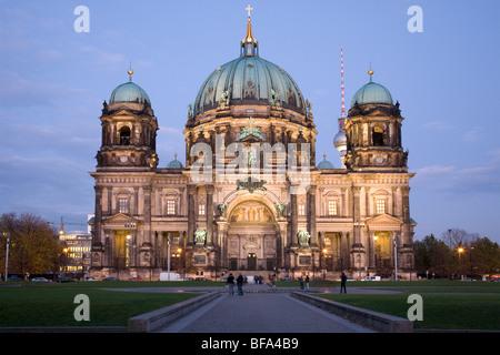 La Cathédrale de Berlin et le Lustgarten, Berlin, Allemagne Banque D'Images