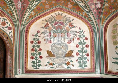 Palais d'ambre au Fort Amber sont décorées dans un style qui est un mélange unique d'architecture Rajput et Moghol Banque D'Images