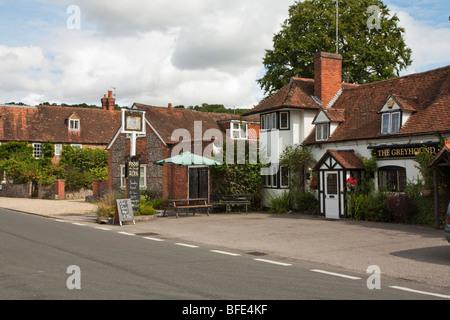 Le Greyhound Pub à Whitchurch on Thames, Berkshire, Royaume-Uni