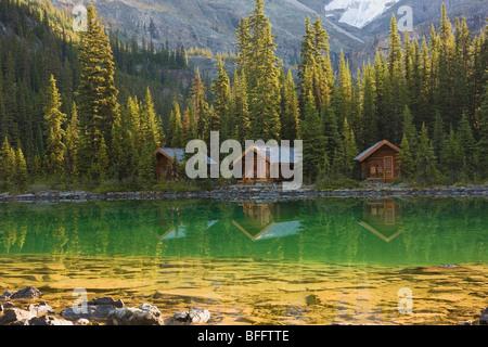 Le lac O'Hara Lodge cabines, le parc national Yoho, Colombie-Britannique, Canada