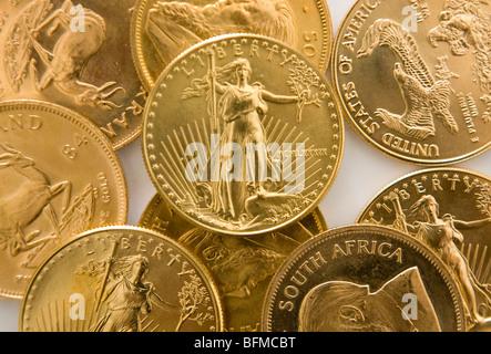 American Eagle, krugerrand sud-africain et florin néerlandais des pièces d'or. Banque D'Images