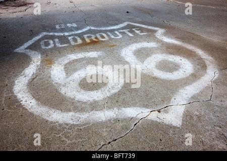 Peint à la bombe sur la route 66, Route de Alanreed, Texas, États-Unis Banque D'Images