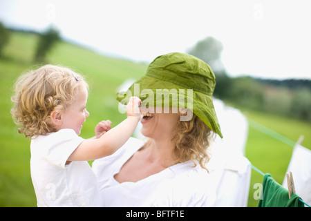La mère et le petit enfant Banque D'Images