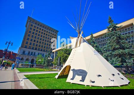 Tipi, à l'extérieur de l'Hôtel de ville dans le cadre de la célébration de la Journée nationale des Autochtones, Banque D'Images