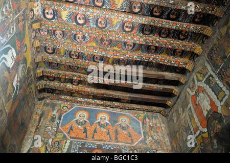 Célèbre plafond peint dans l'Église Debre Berhan Salassie, UNESCO World Heritage Site, Gonder, Gondar, Amhara, Ethiopie, Banque D'Images