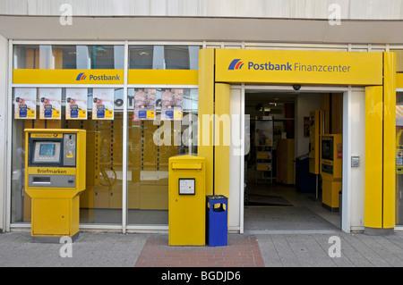 Postbank Finanzcenter Finance Centre dans la zone piétonne, Duisburg, Germany, Europe Banque D'Images