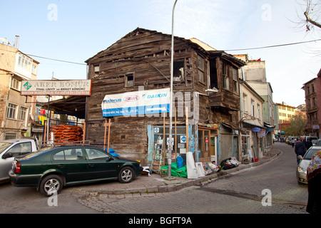 Une vieille maison en bois en ottoman Kadikoy, partie asiatique d'Istanbul, Turquie Banque D'Images