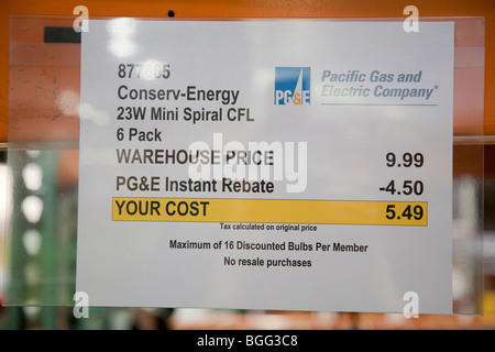 Close up of sign par Pacific Gas and Electric Company (PG&E) qui fournit de l'énergie remise immédiate sur Star Banque D'Images