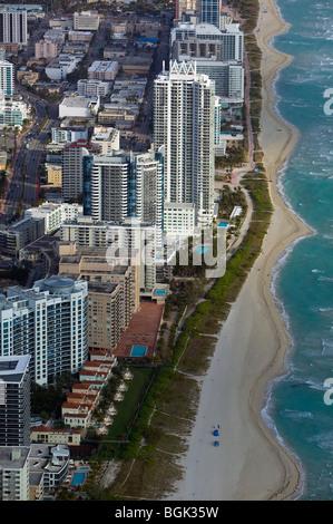 Vue aérienne au-dessus de South Beach Miami Floride Banque D'Images