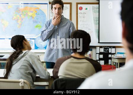 L'écoute de l'enseignant aux élèves l'question