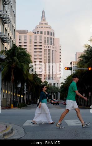 Hôtel Loews Miami Beach, comme vu de l'angle de Washington Avenue et 16th Street, Miami Beach, Floride Banque D'Images