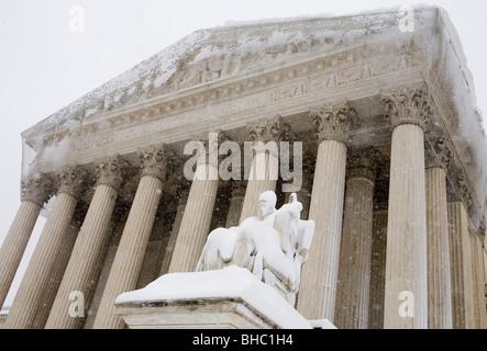 Des scènes de neige de la Cour suprême des États-Unis. Banque D'Images