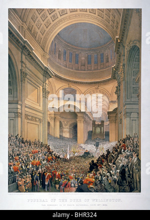 Intérieur de la Cathédrale St Paul pendant les funérailles du duc de Wellington, Londres, 1852 (1853). Artiste: Banque D'Images