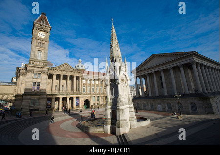 Chamberlain Square, Birmingham, Angleterre, Royaume-Uni. Montrant le City Museum and Art Gallery. Banque D'Images